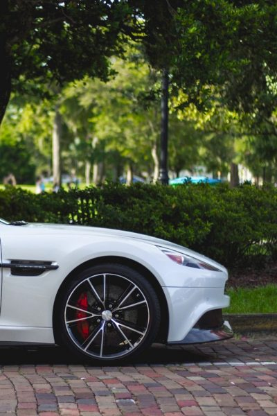 car-wheel-vehicle-sports-car-aston-martin-sedan-60917-pxhere.com_garage-central-cully-bourg-en-lavaux